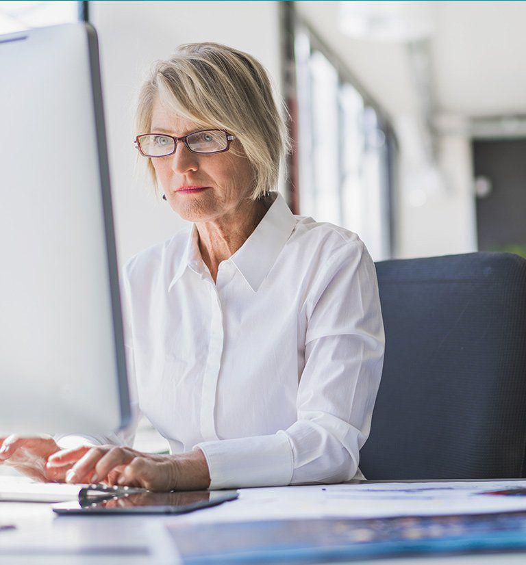 Cloud fax services woman desktop